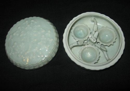 湖田莲花杯粉盒